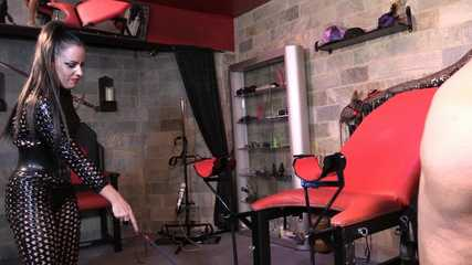 Lady Bellatrix, Mistresses Tiffany and Ava Behind The Scenes (HD wmv)