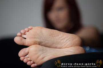 play with feet