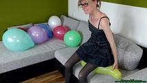 some poppings on the couch (sit, hairslide, knee) 5